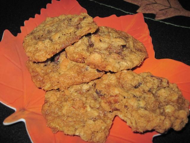 Oatmeal Cranraisin Pecan Cookies