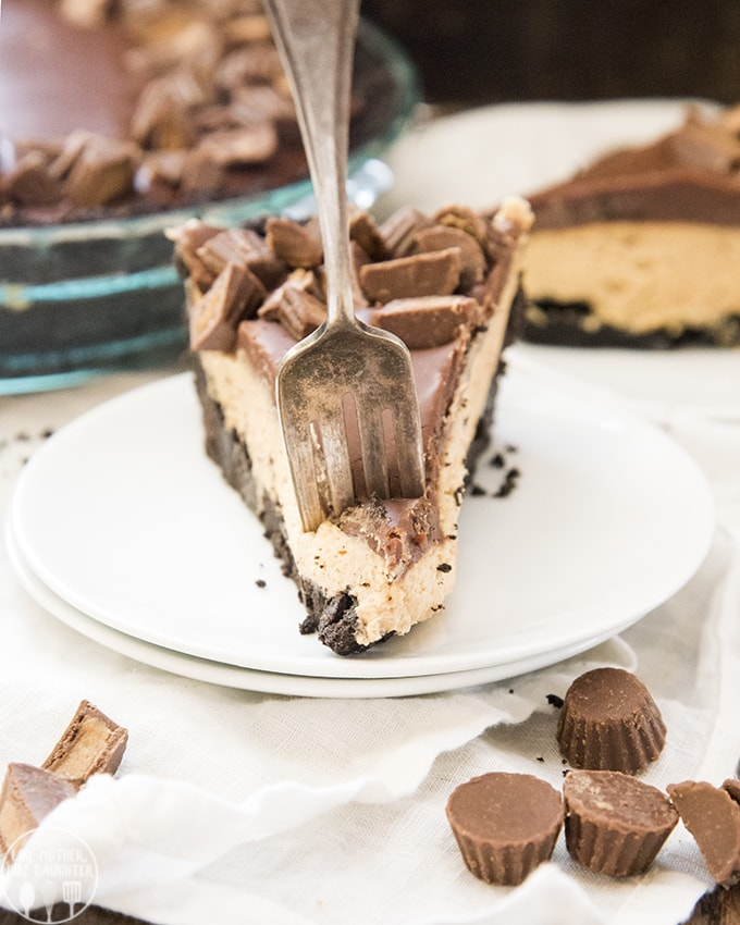 Chocolate Peanut Butter Pie is a delicious no bake dessert, with an oreo crust, and creamy peanut butter filling, all topped with a rich chocolate ganache and peanut butter cups!