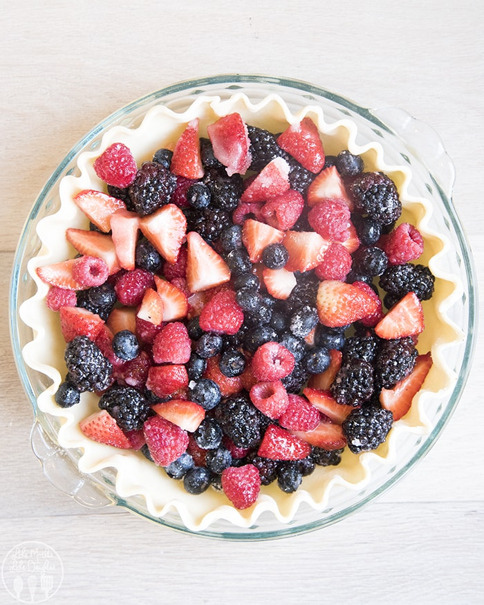 Berries and Cream Pie with Streusel Topping