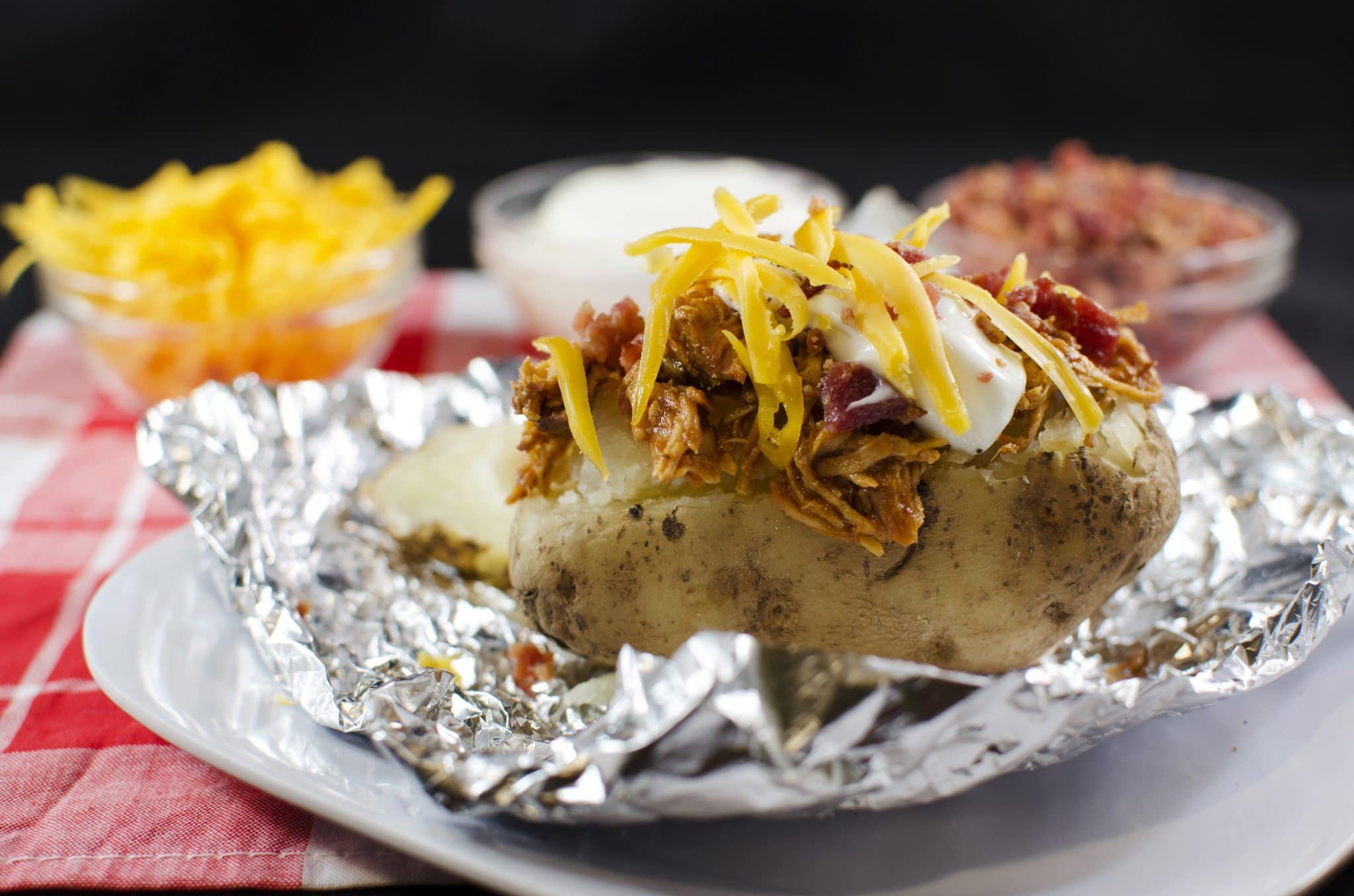how to make baked potatoes in foil