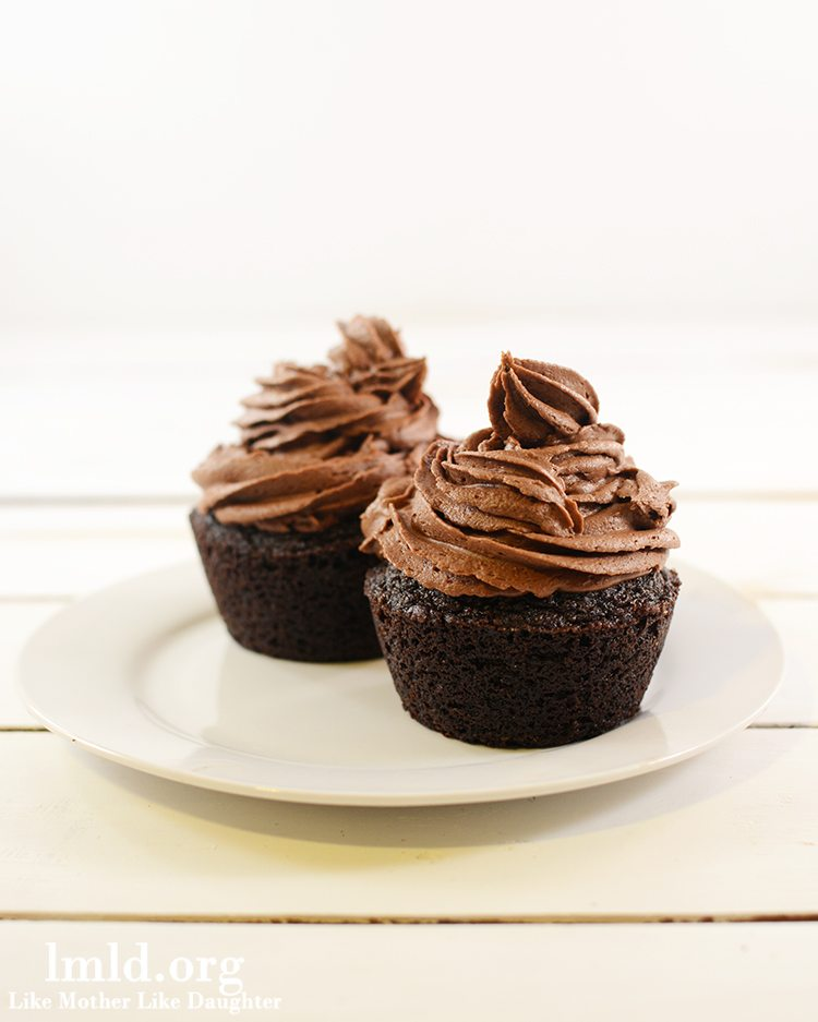 how to make chocolate cupcakes