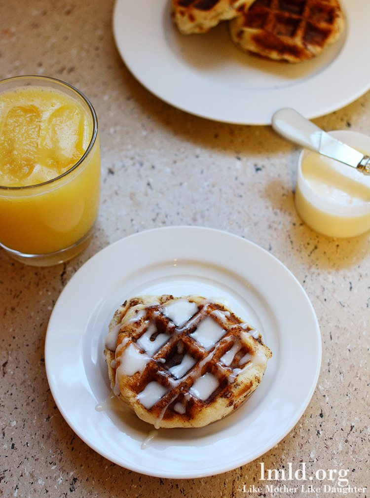 Cinnamon Roll Waffles With Bacon-Apple Frosting Recipe ...