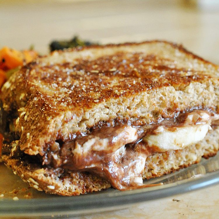Nutella Caramelized Grilled Goat Cheese Sandwich