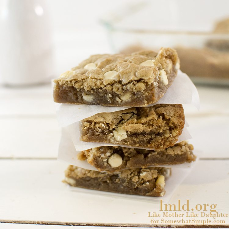 White Chocolate Chip Biscoff Blondies on Somewhat Simple
