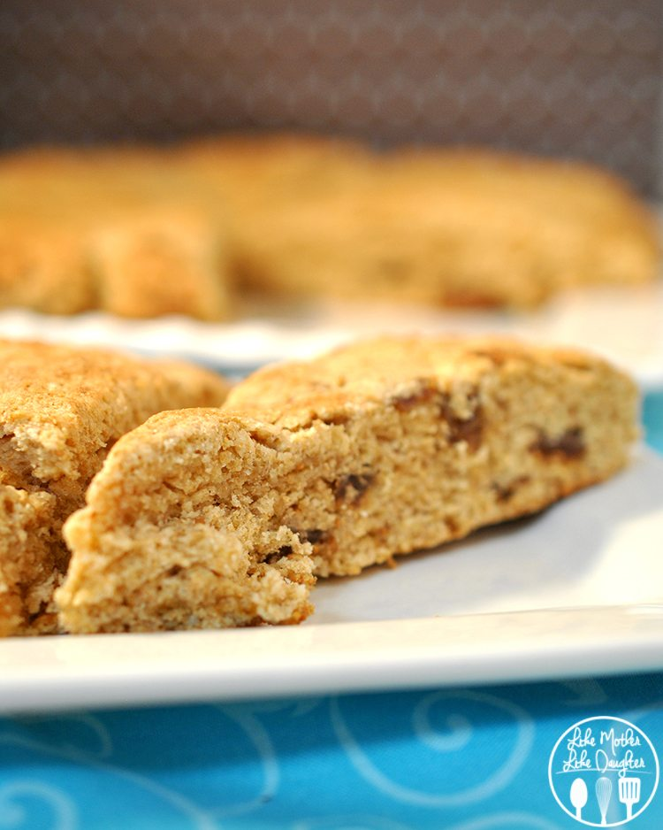 Figgy Scones - delicious scones packed full of figs so they taste like fig newtons!