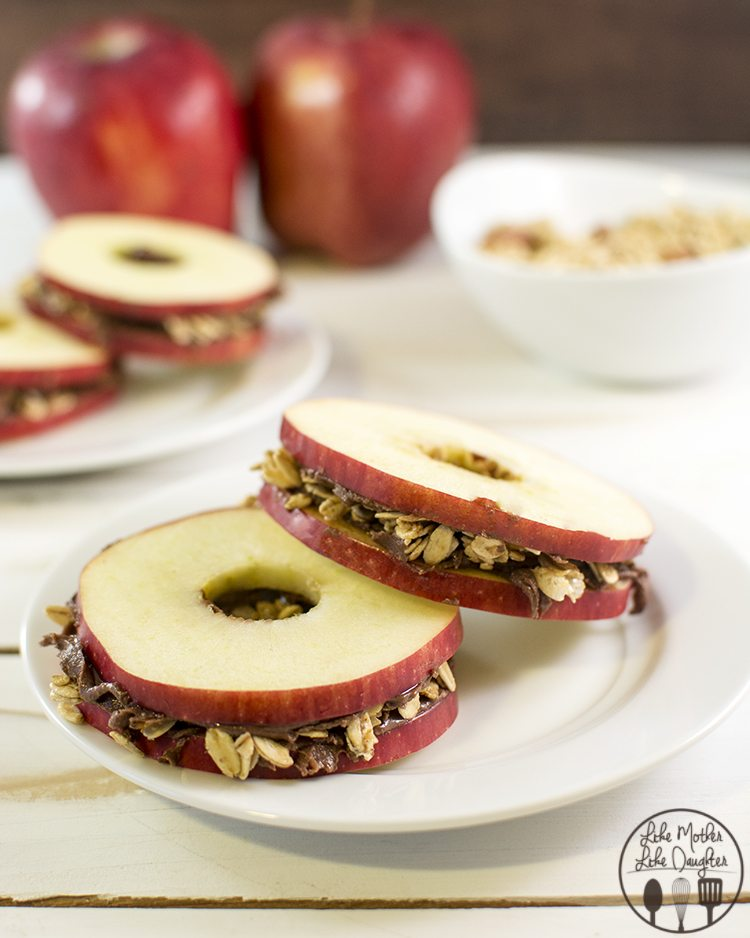 Apple Snack Sandwiches - These delicious apple sandwiches are spread ...