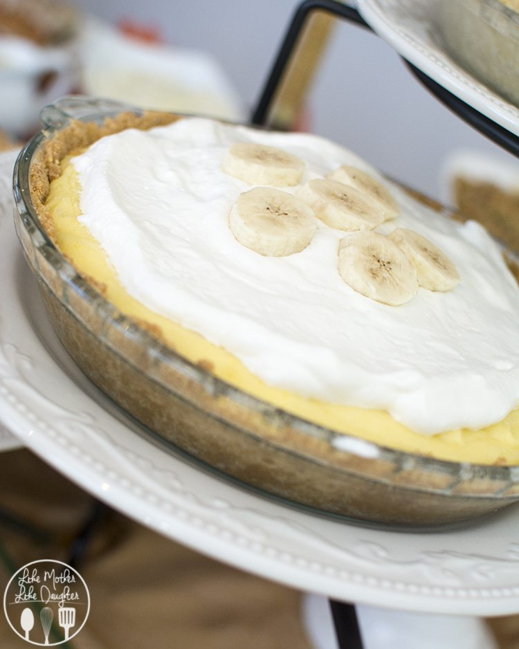 Banana Cream Pie - This delicious and simple banana cream pie is full of banana flavor with a great graham cracker crust!