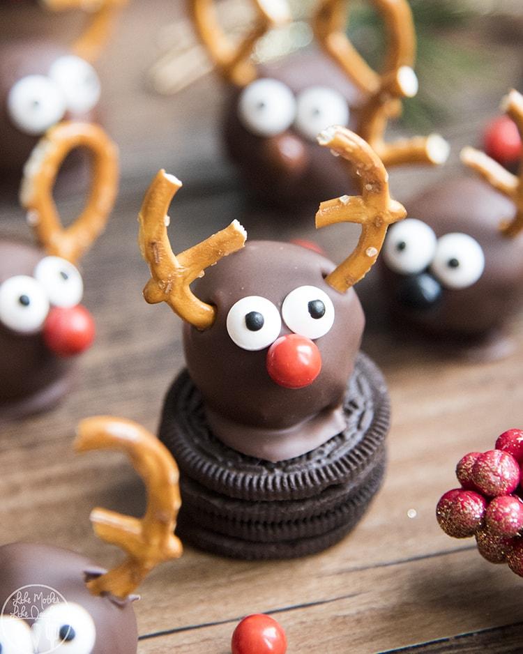Reindeer Oreo Truffles Recipe, the perfect Christmas treat!