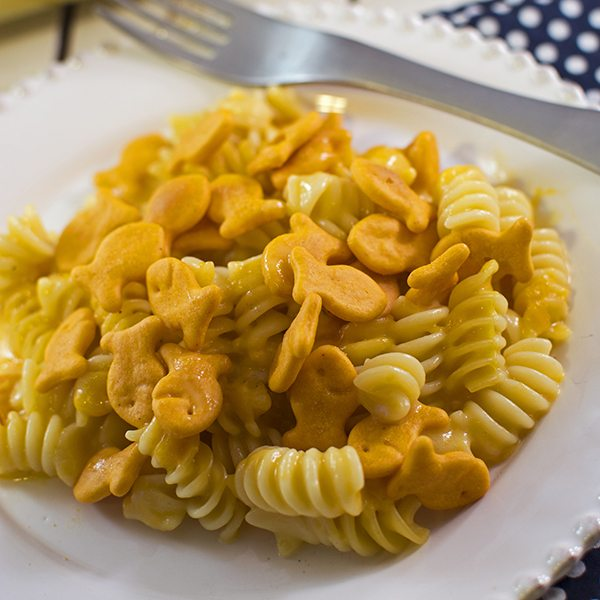 Cheesy Baked Pasta with Goldfish Crackers