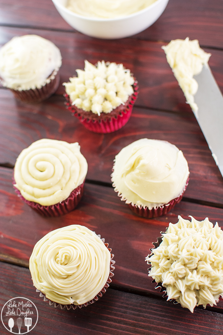 Cream Cheese Frosting - this amazing cream cheese frosting is a little bit sweet, a little bit tangy, and all bits creamy. Would be great on cupcakes, cinnamon rolls and more.