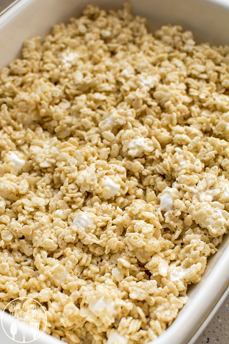 The best rice krispy treats - these are the best rice krispie treats because they are soft and extra gooey with the addition of extra marshmallows. So delicious!