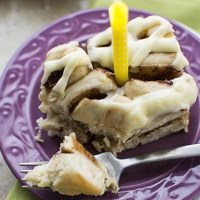 cinnamon roll cake 1 square