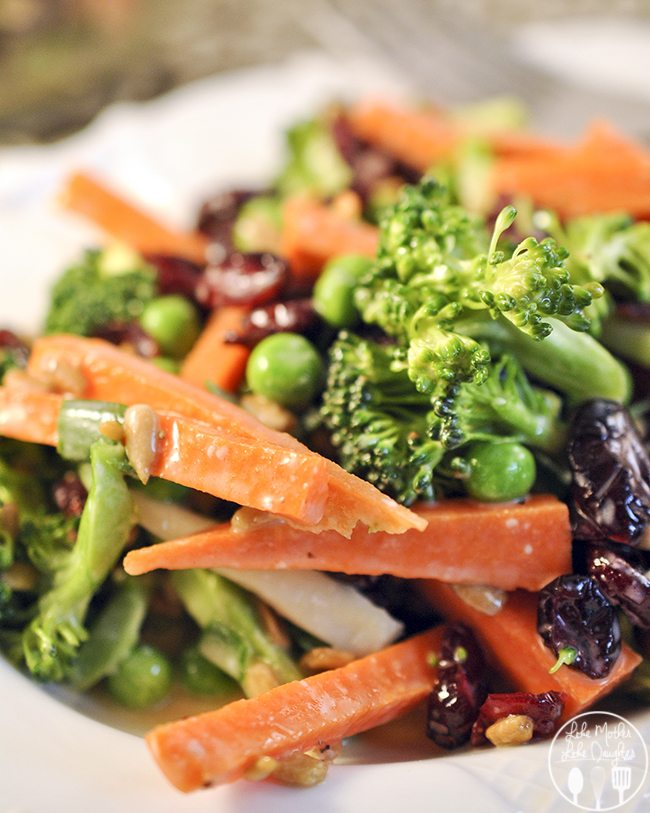 Carrot Broccoli Crunch Salad - Enjoy this Carrot Broccoli Crunch Salad ...