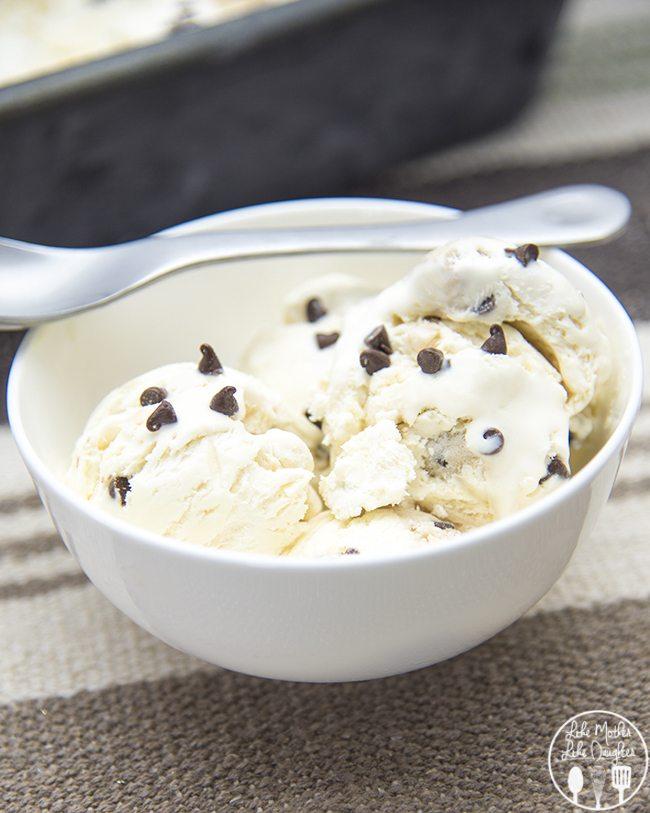 Chocolate Chip Cookie Dough Ice Cream - this amazing no churn ice cream is stuffed full of chocolate chip cookie dough chunks in every bite!