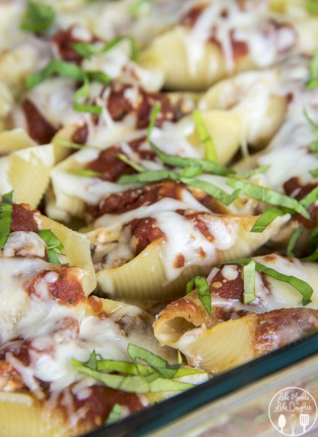 Traditional Stuffed Shells - these traditional stuffed shells are full of cheesy beefy goodness topped with a delicious marinara sauce for the perfect italian dinner!
