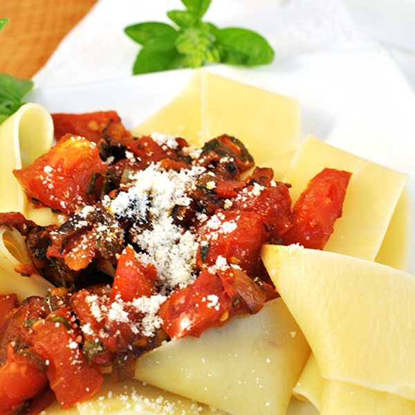 Garden Fresh Tomato and Herb Pasta