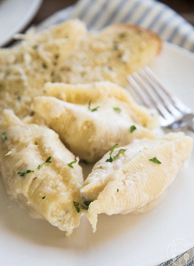 Chicken stuffed shells with alfredo sauce