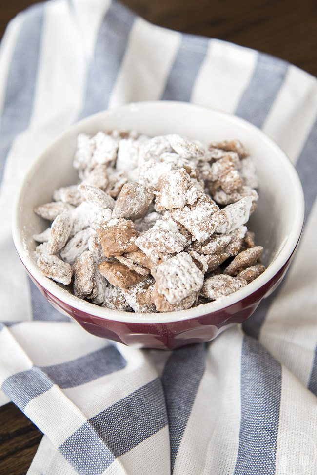 Small Batch Muddy Buddies - This small batch muddy buddies recipe makes just two cups of crunchy chocolate peanut butter cereal for a perfect small batch treat – perfect so you don't eat a huge bowlful!