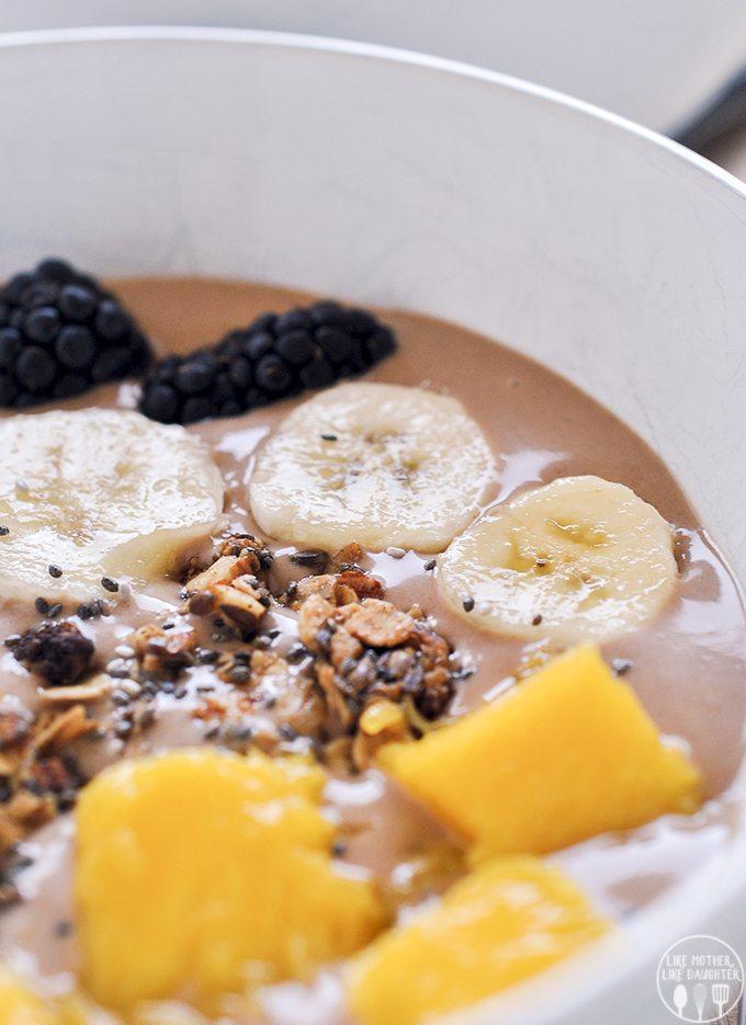 chunky monkey smoothie bowl 1