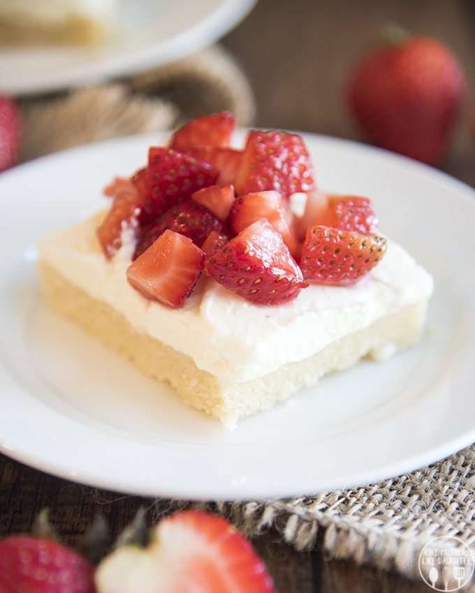 strawberry shortcake sugar cookie bars 3