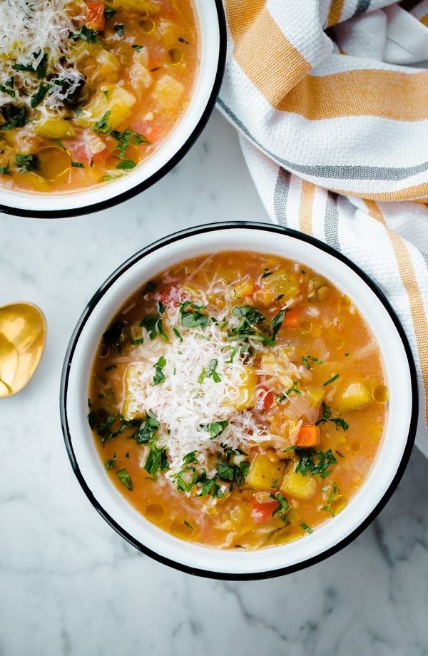 light-and-healthy-slow-cooker-vegetable-minestrone-soup-1-10