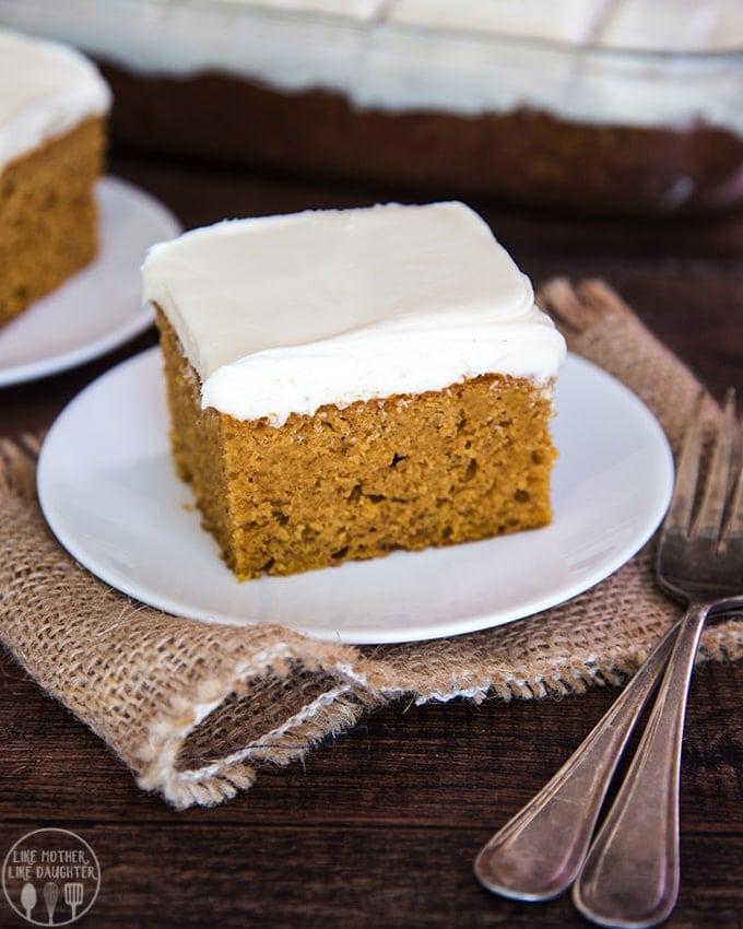 Pumpkin Puree Spice Cake Muffins