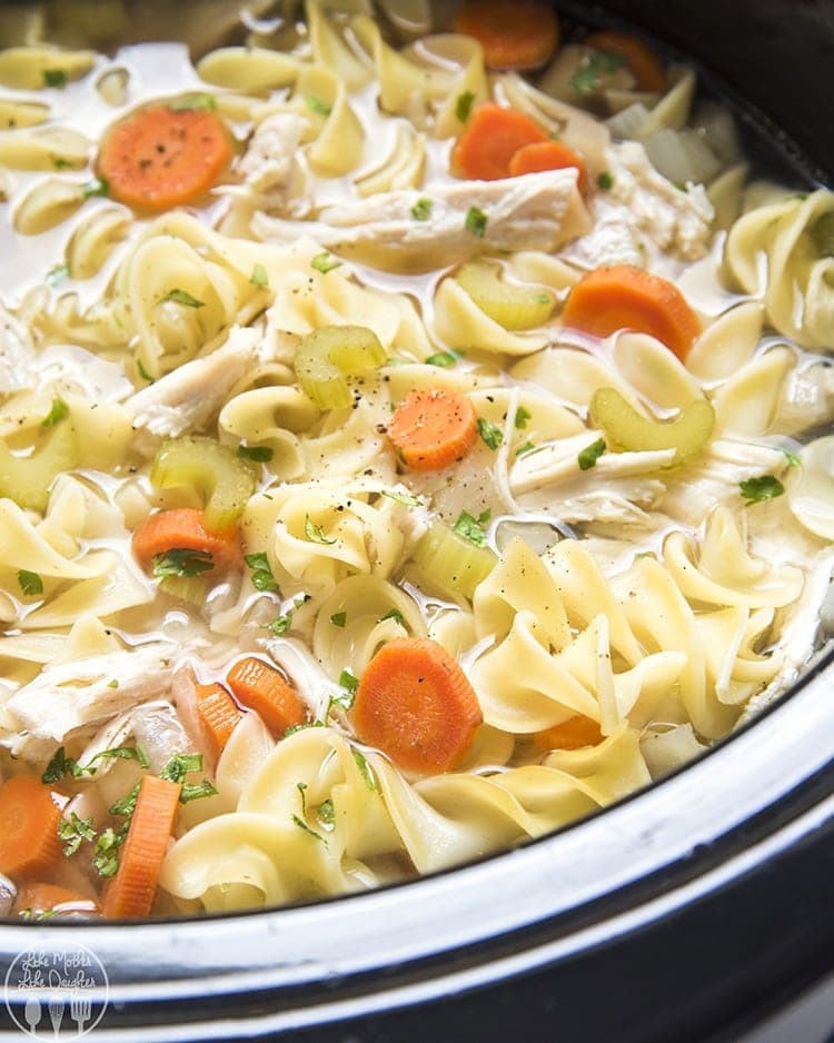 how to make chicken soup in slow cooker uk